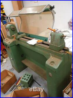 Rockwell Machinery 46-450 Variable Speed Wood Lathe with Tools